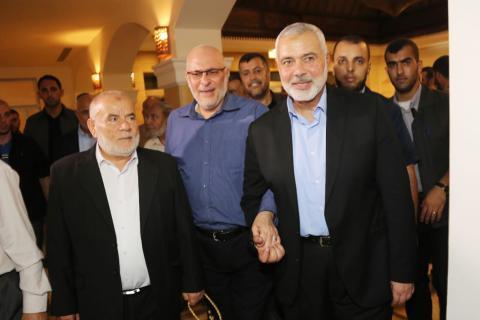 وفد قيادة حماس الخارج يغادر غزة للجانب المصري عبر معبر رفح البري