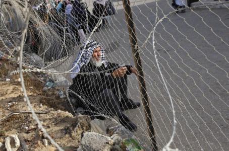 صحيفة عبرية: أبومازن سيقوم بفرض عقوبات جديدة على قطاع غزة
