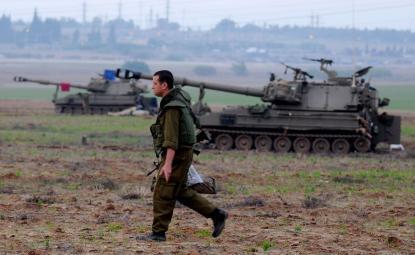 """""""وزير إسرائيلي"""" يجيب: الخيار مواجهة عسكرية أم تسوية مع غزة ؟!"""
