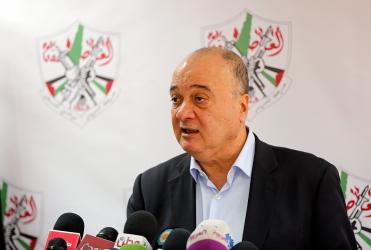 الرئيس يقبل استقالة ناصر القدوة من المركزية ويقيله من رئاسة مؤسسة ياسر عرفات