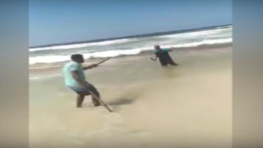مفاجأة تقلب الموازين بواقعة قتل زوج على شاطئ بالإسكندرية (فيديو)