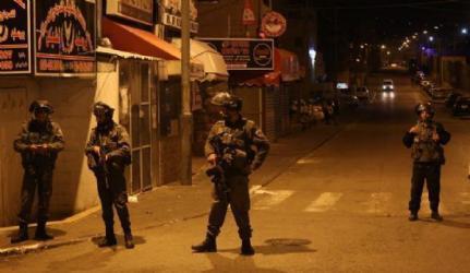 الاحتلال يعتقل شاباً ويفشل في اعتقال فتى من رام الله