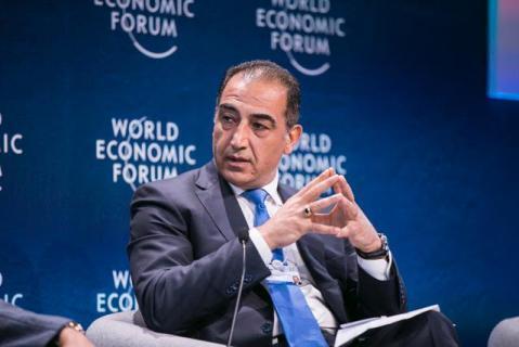 مجلي يدخل السياسة الفلسطينية من ابواب التعليم والاقتصاد فهل ينجح؟