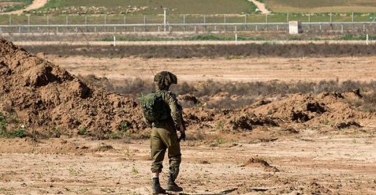 الاحتلال يفجر جسما مجهولا شرق دير البلح