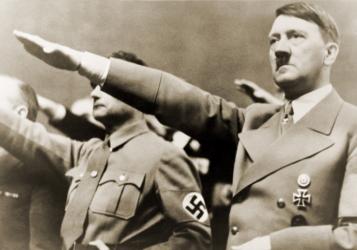 ليلة السكاكين الطويلة.. قصة حملة قادها هتلر للتخلص من أصدقائه