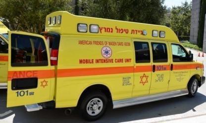 اصابة مستوطنين احدهما بجراح خطيرة في عملية طعن في مستوطنة غوش عتصيون