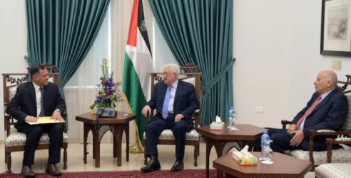الرئيس عباس يستقبل مبعوث سلطان عُمان