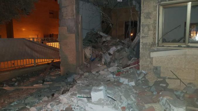 الاحتلال يقصف غزة عقب سقوط صاروخ من القطاع على بئر السبع