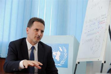 لجنة المتابعة تطالب مفوض الأونروا بزيارة غزة لحل الأزمة