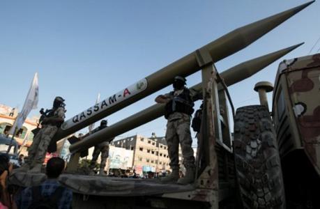 """لعبة """"حماس"""": إطلاق الصواريخ لمنع الحرب القادمة في غزة"""