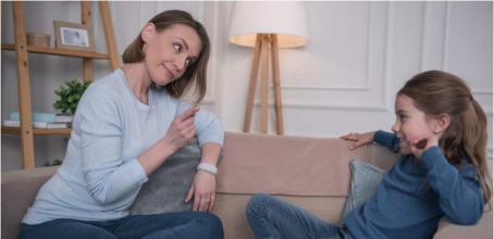 طرق تُساعدكِ على تأديب طفلكِ بعيدًا عن الضرب!