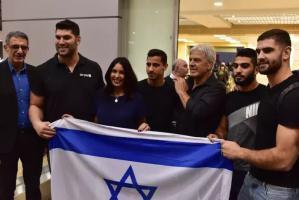 زيارة هي الأولى من نوعها.. الوزيرة الإسرائيلية ريغيف تهبط في أبو ظبي