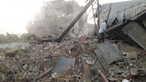 الاحتلال يدمر مبنى من أربعة طوابق وسط مدينة غزة