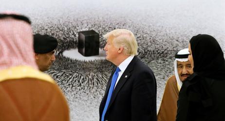 ترامب يكررها للسعودية.. لا نقدم خدمات مجانية!
