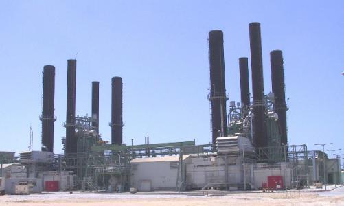بدء إدخال وقود لمحطة كهرباء غزة وتوتر شديد بين السلطة والامم المتحدة
