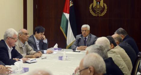 التنفيذية: تجزئة الأمور إلى قضايا إنسانية يرسخ الفصل بين غزة والضفة