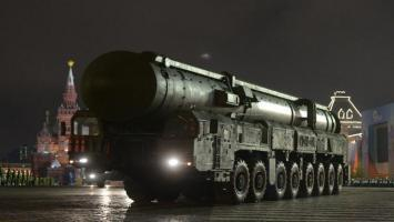 """روسيا وأميركا.. من الأقوى """"نوويا""""؟"""