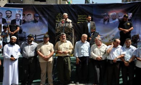 كاتب مصري: إسرائيل تُخطط لاغتيال شخصية كبيرة قبل أن تلتزم بوقف إطلاق النار
