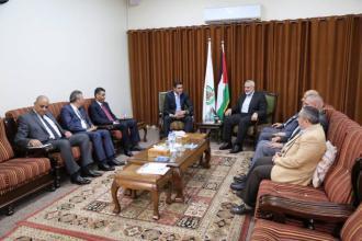 وفد مصري رفيع المستوى يصل غزة ويلتقي هنية