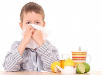 أطعمة تقوي مناعة الأطفال لمقاومة نزلات البرد