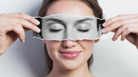 8 طرق طبيعية تخلصك من الهالات السوداء حول العينين