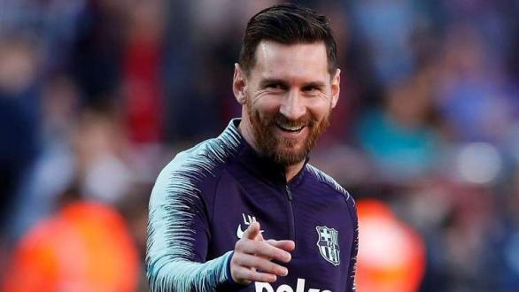 بينهم نجم عربي.. ميسي يطالب برشلونة بالتعاقد مع 4 لاعبين