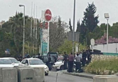 """إعلام عبري: إطلاق نار على فتاة بـ """"كفار أدوميم"""" قرب القدس"""
