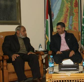 """الوفد المصري ينقل رسالة طمأنة لـ """"حماس"""" والحركة تحذر من """"غدر"""" الاحتلال"""