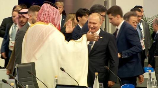 شاهد مصافحة بوتين وبن سلمان.. اللقطة الأبرز في افتتاح قمة العشرين بالأرجنتين