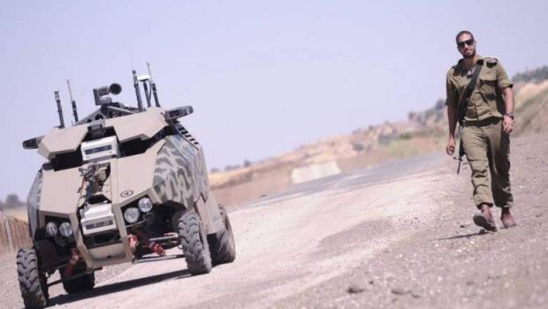 """الجيش الإسرائيلي يُطور """"روبوتًا"""" لكشف العبوات الناسفة"""