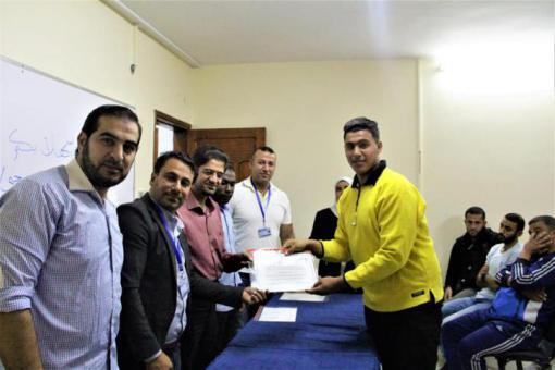اتحاد السباحة والرياضات المائية يخرج دورة الحكام التأسيسية بغزة