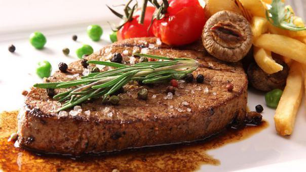ستيك لحم مشوي