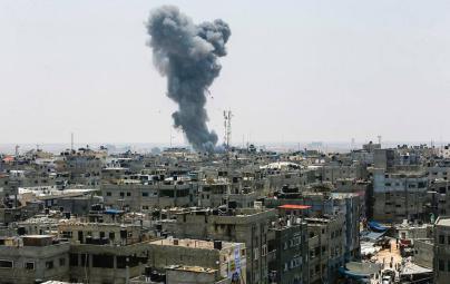 سلسلة انفجارات بعمارة سكنية في مخيم البريج وسط قطاع غزة