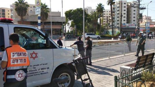 إصابة إسرائيليين بإيلات إثر ضربهما بأداة حادة من قبل عامل أردني