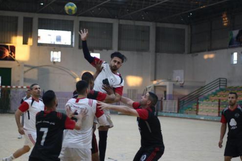 خدمات البريج يحقق فوزاً كبيراً على جاره مركز المغازي في دوري جوال لكرة اليد