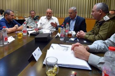 وزراء إسرائيليون: حماس علمت علينا بـ460 صاروخا بـ24 ساعة