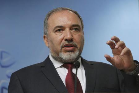 ليبرمان: لن يستطيع أحد إسقاط نظام حماس بالقوة العسكرية