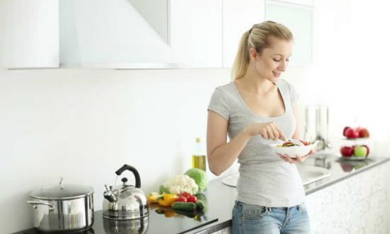 6 فيتامينات ضرورية للمرأة بعد الأربعين.. تعرفي عليها