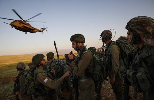 شاهد.. تدريبات إسرائيلية تحاكي وقوع حرب ضد حماس وحزب الله في آن واحد
