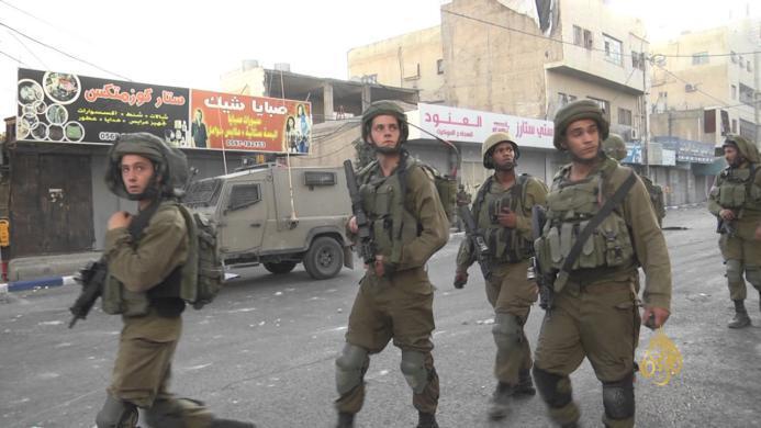 الاحتلال يعلن قرية دورا القرع منطقة عسكرية مغلقة
