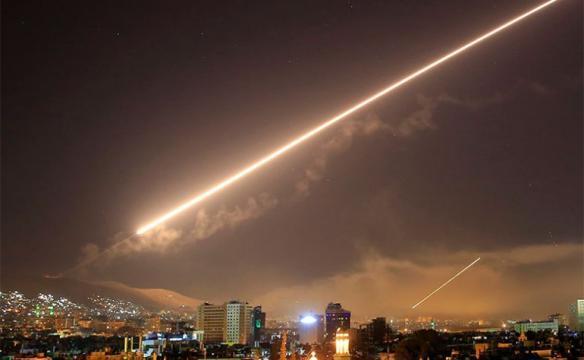قصف إسرائيلي قرب دمشق وصاروخ سوري جنوب حيفا (فيديو)