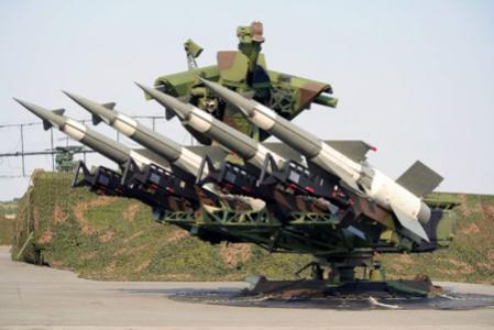 إسرائيل قلقة من بناء روسيا نظام دفاع جوي في سوريا