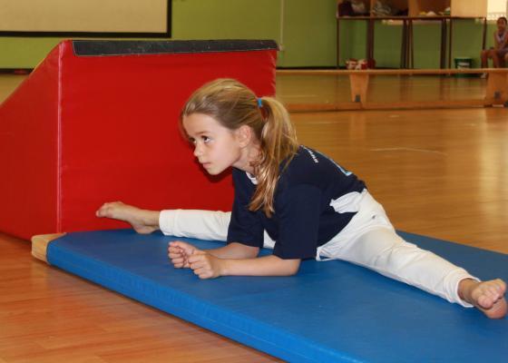 ممارسة الجمباز مبكرًا.. تبني جسمًا مرنًا وقويًا