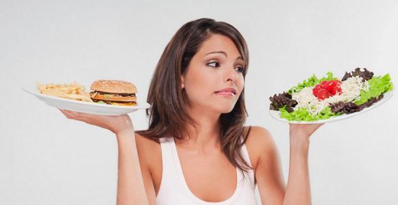 12 خطأ خلال الأكل قد تدمر صحتكم