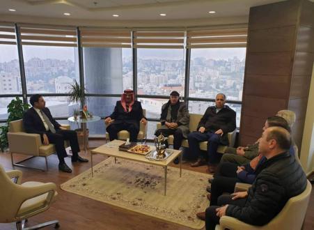 الشخصيات المستقلة بالضفة تجتمع مع السفير الأردني الجديد