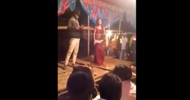 شاهد فيديو صادم.. طلق ناري كاد أن يطير رأس هذه الراقصة خلال رقصها أمام الجمهور