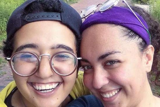 شاهد.. فتاتان من مصر تعلنان الزواج مثليا: حبينا بعض من أول يوم