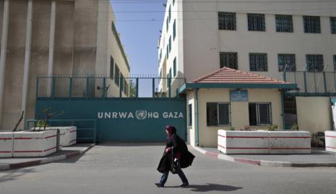 أونروا تعد بالنظر في كل الإجراءات التقشفية التي اتخذتها بغزة