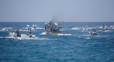 إصابات خلال قمع قوات الاحتلال للمسير البحري الـ 18 شمال غزة