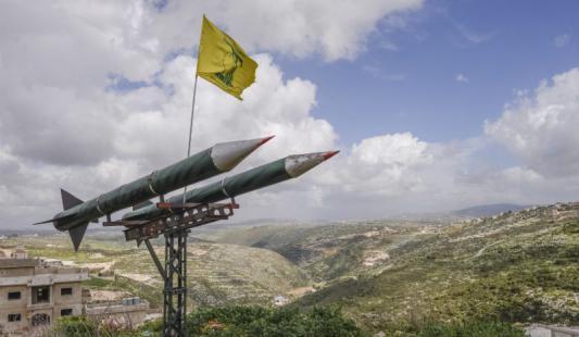 """لواء إسرائيلي: حزب الله يهدد """"إسرائيل"""" بامتلاكه آلاف الصواريخ"""